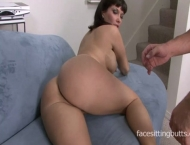 Sexy cougar seduces her colleague to come over and fuck her silly
